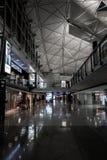 HONG KONG, CHINA - JANUARI, 11: Binnenhong kong international airport Luchtgateway aan vasteland China, het Oosten en Zuidoost-Az Stock Foto's