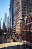 HONG KONG, CHINA - 27. NOVEMBER 2011: Vogelperspektive auf Straße in Hong Kong am 27. November 2011 Lizenzfreie Stockfotos