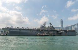 HONG KONG, CHINE - septembre 18 : Le bateau d'assaut amphibie des États-Unis USS Bonhomme Richard a tiré en les eaux de Hong Kong Photographie stock