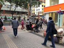 Hong Kong, Chiny Feb 08, 2018: Hong Kong tradycyjny uliczny karmowy pushcart Piec kasztany, przepiórek jajka, batat Obraz Stock