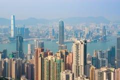 HONG KONG CHINY, Kwiecień, - 19, 2018 Widok schronienie i drapacz chmur Hong Kong od Wiktoria punktu obrazy stock