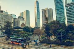 Hong Kong Chiny, Listopad, - 28, 2015: Ulica z nowożytną architekturą Fotografia Stock