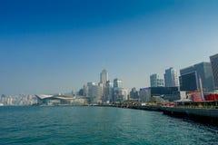 HONG KONG CHINY, STYCZEŃ, - 26, 2017: Sceniczny widok tradycyjnych chińskie drapacze chmur w tle w pięknym dniu Zdjęcie Stock