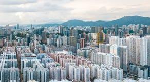 Hong Kong City na vista aérea no céu fotografia de stock