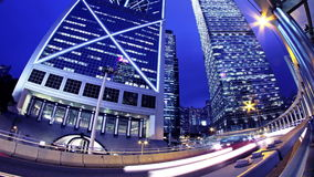 Hong Kong City Night Timelapse. Lo zoom stretto fuori ha sparato. stock footage