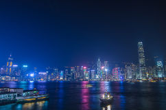 Hong Kong-cityscape waterkant over Victoria-haven, Stock Foto