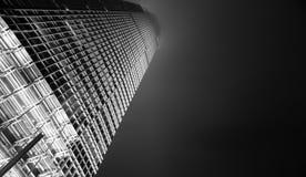 Hong Kong Commercial Building Black y blanco Imágenes de archivo libres de regalías