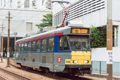 Hong Kong - 3 décembre 2015 : Rail de lumière de Hong Kong MTR Le système op Images stock