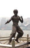 Estátua de Bruce Lee na avenida das estrelas em Hong Kong Imagem de Stock