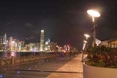 HONG KONG - 17 de janeiro: A avenida das estrelas na noite janeiro 17.201 Fotografia de Stock