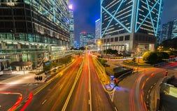 HONG KONG: 3 DE NOVIEMBRE DE 2015: Colorido de luz de la noche de Hong Kong Foto de archivo