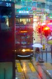 HONG KONG - 4 de setembro de 2017: Bonde do ônibus de dois andares no eveni adiantado Foto de Stock