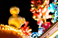 Hong Kong - 25. Dezember 2013 - Disney-Weihnachtsdekoration am Ozean-Anschluss, Tsim Sha Tsui, Hong Kong Stockbild