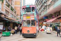 Hong Kong - 7 dicembre 2015: Tram dell'autobus a due piani Elettrico a due ponti Immagini Stock