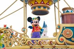 HONG KONG DISNEYLAND - MEI 2015: Mickey in de dagparade stock foto