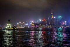 Hong Kong Dredge nachts lizenzfreies stockbild