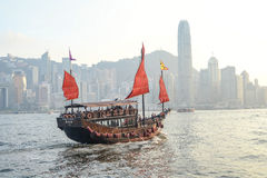 Hong Kong et barque Photographie stock