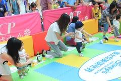 Hong Kong Event av älsklingen för familjen för världen för Disney ` s behandla som ett barn karneval Arkivfoton