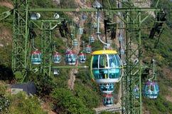 Hong-Kong: Góndolas del teleférico del parque del océano Fotografía de archivo libre de regalías