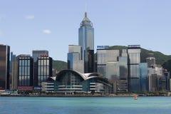 Hong Kong Harbour sob o céu azul Fotografia de Stock Royalty Free