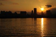 Hong Kong horisontsolnedgång royaltyfri foto
