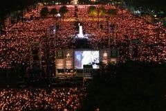 HONG KONG, IL 4 GIUGNO: La gente unisce i memoriali per il Tiananmen S Fotografie Stock
