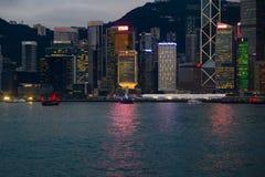 Hong Kong Island la nuit Horizon de Hong Kong Island ? l'aube image stock