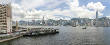 Hong Kong Island View från Kowloon panorama Arkivbilder