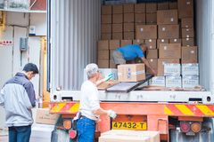Hong Kong - janeiro 10,2018: Caminhão de entrega para entregar produtos Imagem de Stock