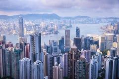 HONG KONG - JUNI 08, 2015: horizon van Hong Kong van Victoria Peak Hon Kong Royalty-vrije Stock Foto's