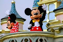 Hong Kong Kina: Mickey och Minnie Mouse på Disneyland Royaltyfri Bild