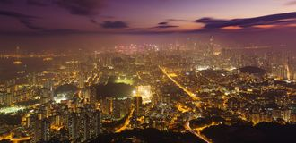 Hong Kong-ksyline bij nacht stock afbeelding