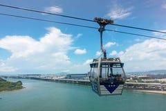 HONG KONG, MAJ - 5: Ngong śwista wagon kolei linowej na Lantau wyspie obraz royalty free