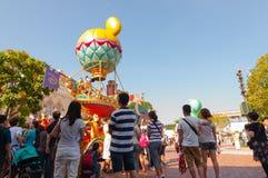 HONG KONG - MEI 08: Desfile de la tarde en Disneyland Hong Kong en Mei 08 2012 en China MEI 08 Imágenes de archivo libres de regalías
