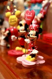 Hong Kong: Minnie och Mickey Mouse leksaker royaltyfria bilder