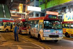 Hong Kong Night Minibus arkivfoton