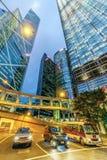Hong Kong nocy pejzaż miejski region centralny z wierza, Citybank i ICBC banka chin, Góruje, Cheung Kong Centre zdjęcie stock