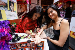 HONG KONG - NOVEMBER 26 2013: The busy LKF (Lan Kwai Fong Festiv Royalty Free Stock Photography