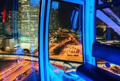 Hong Kong Observation Wheel är 60 meter hög Den viktiga delen av det centrala området beskådas från dess kabiner Royaltyfri Foto