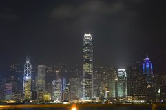 Hong Kong - paesaggio urbano di notte fotografie stock libere da diritti