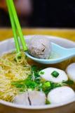 Hong Kong Rybiej piłki kluski polewka od Lokalnej restauraci Zdjęcie Stock