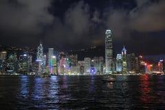 Hong Kong Skylight na paisagem do crepúsculo a sinfonia de Citys claro foto de stock