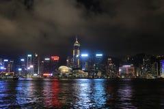 Hong Kong Skylight na paisagem do crepúsculo a sinfonia de Citys claro foto de stock royalty free