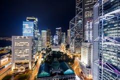 Hong Kong Skyscrapers com luzes fotografia de stock