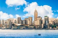 Hong Kong stad, horisont och Victoria hamn royaltyfria foton