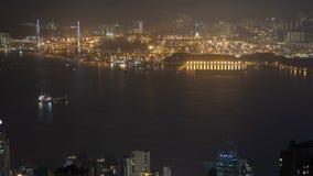 Hong Kong-Stadt gleiten in der Nacht China hinab Runde metallische Knöpfe stock footage