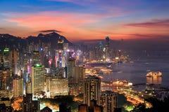 Hong Kong-Stadt zur Sonnenuntergangzeit Stockbild