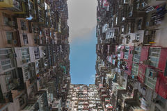 Hong Kong-Stadtwohnung von der Ansicht von unten Lizenzfreie Stockfotografie