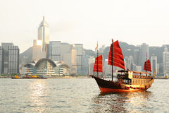 Hong Kong with tourist junk Royalty Free Stock Photos