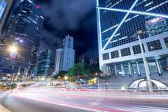 Hong Kong trafik på natten Royaltyfria Foton